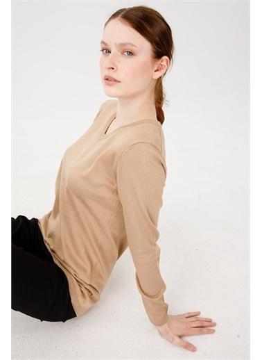 Desen Triko Kadın Lıkralı Uzun Kol Basıc V Yaka Bluz Saks Mavı Camel